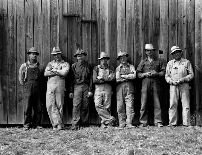 Dorothea_Lange,_Farmers_who_have_bought_machinery_cooperatively,_West_Carlton,_Yamhill_County,_Oregon,_1939