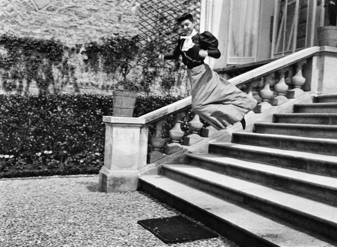 jacques-henri-lartigue-mi-prima-bichonnade-40-rue-cortambert-paris-1905-fotografia-de-j-h-lartigue-copy-ministere-de-l