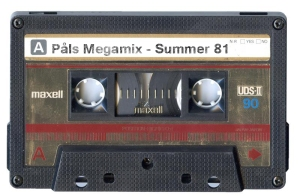 Maxell_Cassette_Tape_by_Cliffski 2